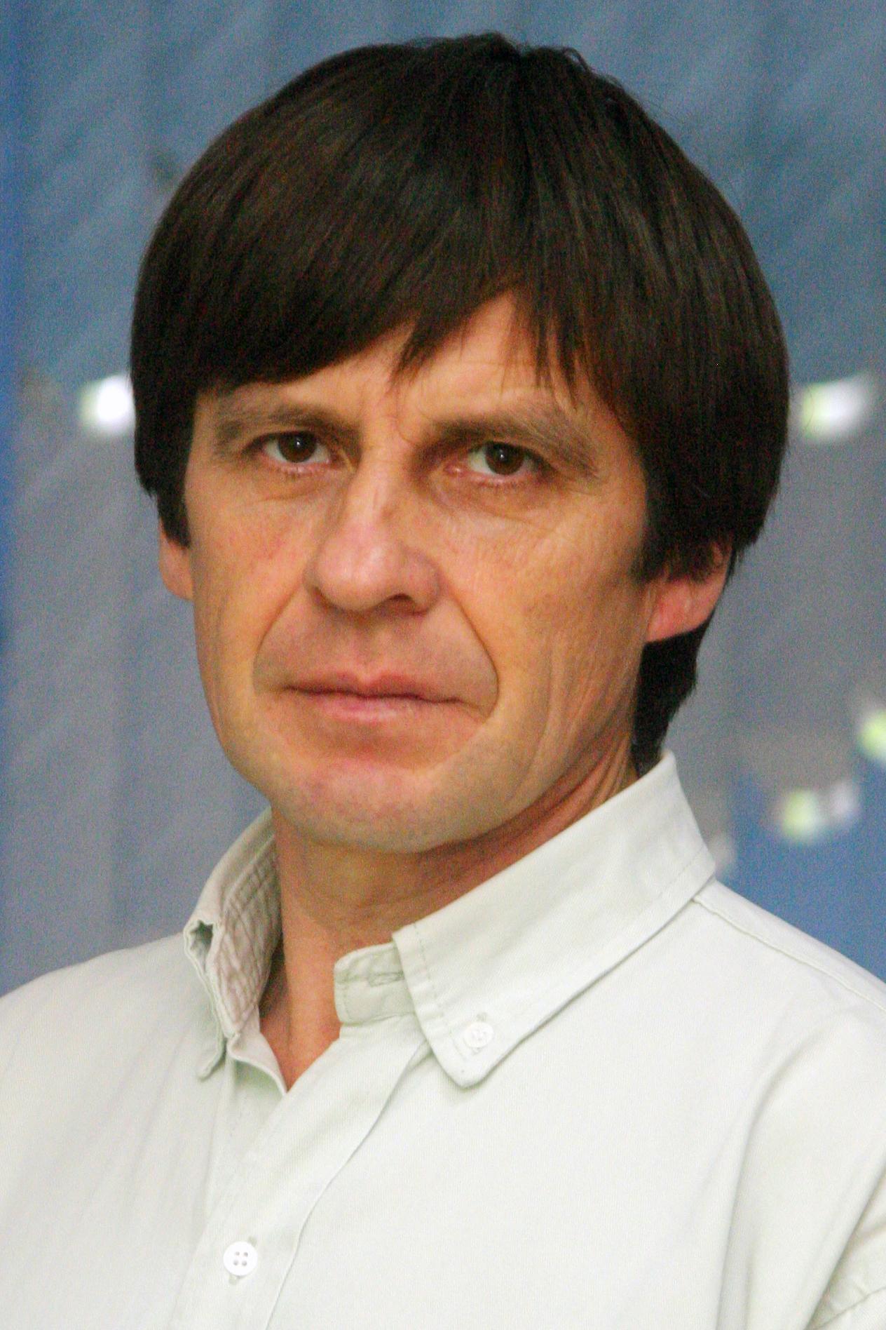 http://menzela.ru/images/uploads/img_5ab4da423bf4d_Рустам%20абый.jpg