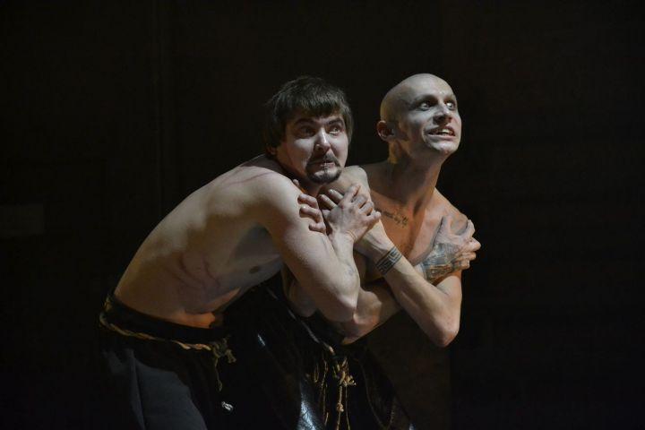 «Парафраз» из Глазова победил в трех номинациях Фестиваля театров малых городов